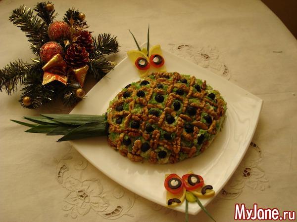 Оформление салатов с ананасом
