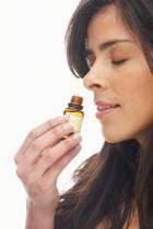 Что и как лечат эфирные масла?