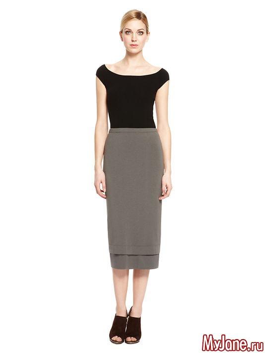 Еще одна юбка от МаксМара - из твида, в мелкую клеточку. Обратите внимание на прорезные карманы сзади