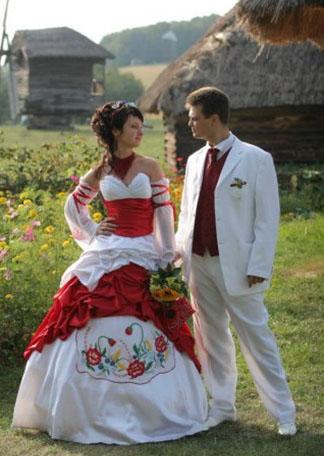 Свадебные наряды в украинском стиле.