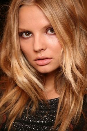 Весенне-летний макияж 2011: больше эпатажа! - тренды весна лето 2011, бесплатный макияж, форма бровей