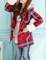 оптом Модное пальто красного цвета.