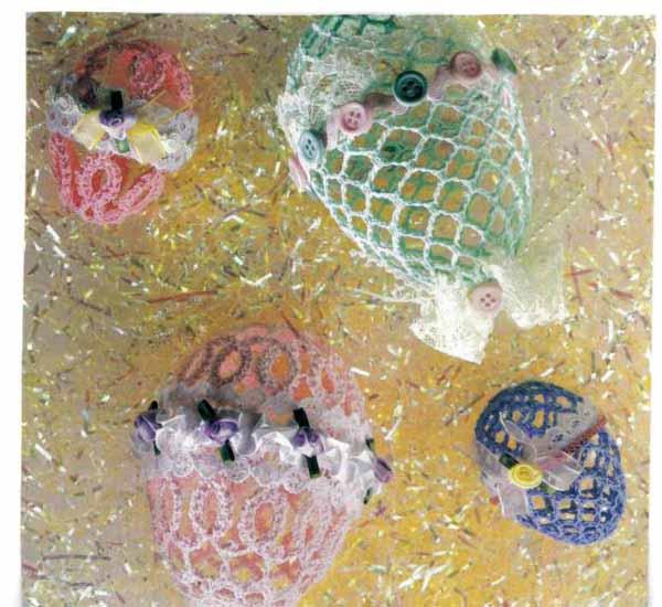 Материалы - те же, что и для зеленого, но ниток потребуется 30 метров. вязаные яйца - Готовимся к Пасхе.