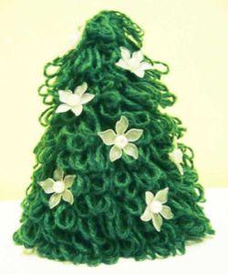 Схема: Вязаная крючком елка 2012.  Вязаная новогодняя елка - отличный...