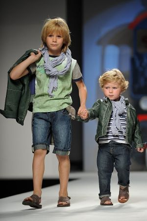 Детская обувь оптом - Одежда и мода