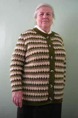 Вязание кофты на пуговицах для бабушки   Вязаные жакеты и кофты спицами с описанием и 133