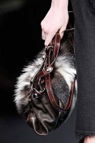Предлагаем обзор самых модных клатчей следующего сезона осень-зима 2009.