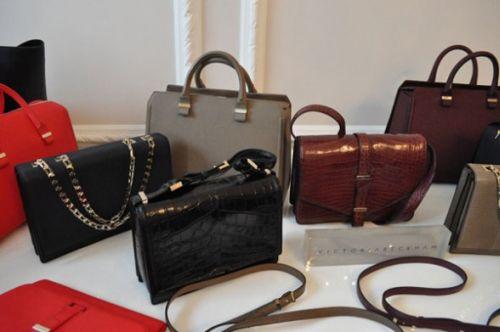 Victoria Beckham. мода зима 2011. мода зима 2012. классические сумки.