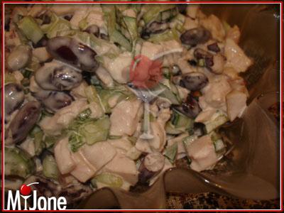 салат из курицы огурца помидора и сыра