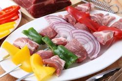 Какая болезнь грозит любителям красного мяса