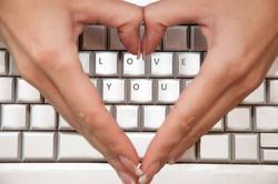 Интернет-зависимость опаснее любви к сладкому