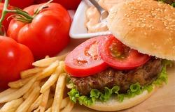 Главная причина ожирения – фастфуд