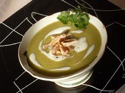 Суп-пюре из зеленого гороха