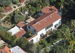 Роберт Паттинсон продал дом, в котором жил с Кристен Стюарт