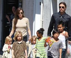 У Питта и Джоли появится ещё одна дочь