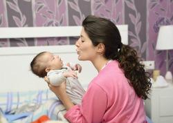 Стресс мам передаётся малышам
