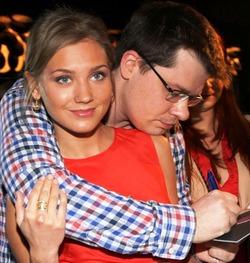 Гарик Харламов женится на Кристине Асмус «на лету»