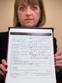 Сыну Кейт Миддлтон вручили первый документ