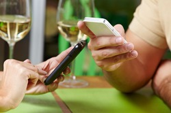 В близорукости виноваты смартфоны
