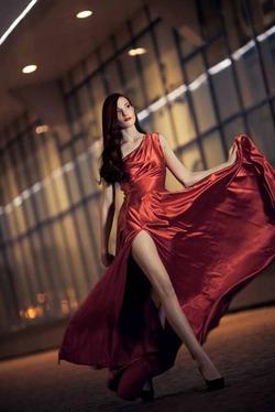 Красная одежда помогает устроить личную жизнь