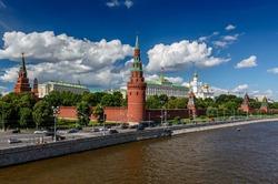 Вы бы хотели жить в Москве?