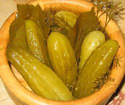 Огурчики соленые с горчицей