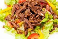 Салаты с мясными продуктами
