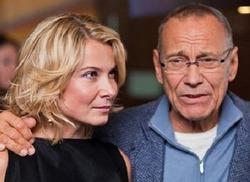 Дочь Юлии Высоцкой и Андрея Кончаловского находится в реанимации