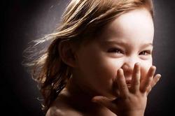 Дети верят красивым людям