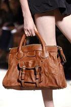 Обзор основных тенденций в моде женских сумок