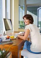 Упражнения для ног в положении сидя. Разгрузка для тех, чей рабочий день проходит за столом.