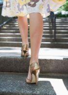 От чего зависит красота  женских ног?