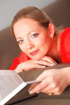 Наталья Андреева: «Лучше буду прозябать в бедности и безвестности, чем разочарую читателей»