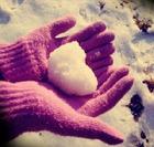 За окном снежок, под бочком дружок
