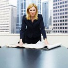 Альфа-женщины: много работают и много тратят