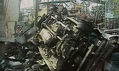 """Туристский рай"" - Бали (Индонезия) - под атакой. Террорист заснят на видео."