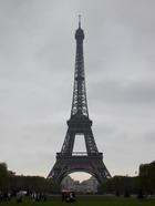 В Париже из-за уличных беспорядков задержаны две сотни людей