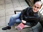 Писатель Рушди, автор проклятой книги, будет работать преподавателем