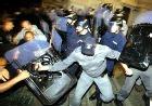 Демонстрантов в Будапеште отстреливают резиновыми пулями
