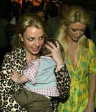Пэрис учит Бритни сладкой жизни