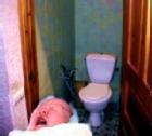 Женщина выбросила свою новорожденную дочь в унитаз вокзального туалета