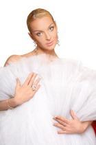 Волочкова примеряет свадебные платья