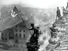 Госдума согласилась с серпом и молотом на Знамени Победы