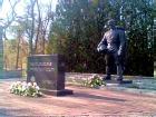 Бронзовый солдат сегодня установлен на таллиннском Военном кладбище