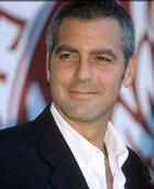 Джордж Клуни торгует поцелуями