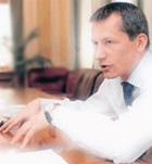Андрей Шаронов написал заявление об уходе - Греф подписал