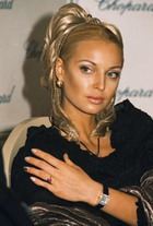 Анастасия Волочкова не бережет фигуру