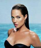 Проблемы с фигурой у Анджелины Джоли