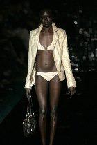 Британские модели: со справкой на подиум