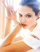 Дети довели Анджелину Джоли до полного изнеможения